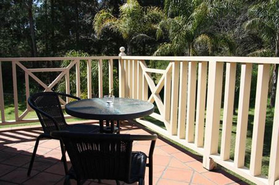 Accommodation in McLaren Vale with balcony