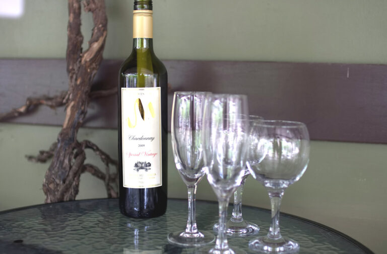 """No More """"Cheap and Cheerful:"""" USA Wine Consumers Want Premium Quality over Mass Production"""